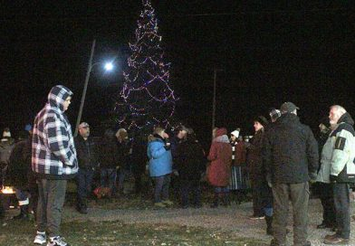 Campbell's Bay Christmas tree lighting ceremony