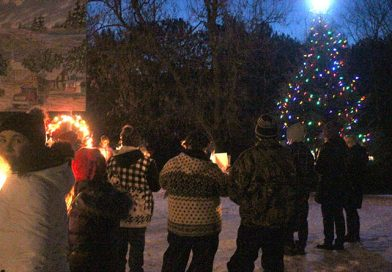 Otter Lake RA lights up Christmas tree with the community