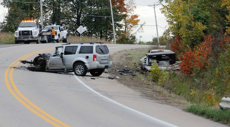 Two vehicles were involved in a head-on collision on Hwy. 148 in Clarendon Monday afternoon. The Sûreté du Québec had to close down the stretch of road for hours to investigate.